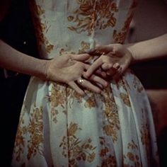 """Look, she's got the wedding ring!"" Rear Window (Alfred Hitchcock,  1954)"