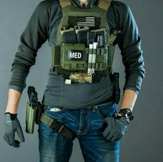 Discover and save all ideas about Plate Carrier in Pionik, the source of creativity. Tactical Wear, Tactical Clothing, Tactical Survival, Survival Gear, Combat Medic, Combat Gear, Tactical Equipment, Military Equipment, Airsoft Gear