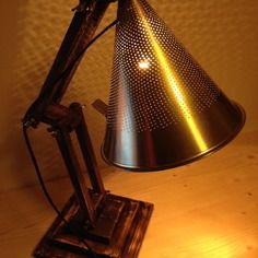 Lampe-passoire-industrielle artisanale de récup' en bois et métal
