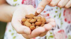 7 ways to become a smarter snacker. #healthysnacks #healthyeating #weightloss #everydayhealth | everydayhealth.com
