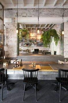 12 Stunning Industrial Vintage Decor Ideas For A Brick & Steel Living Space rustic restaurant Decoration Restaurant, Deco Restaurant, Restaurant Interior Design, Vintage Restaurant Design, Brick Restaurant, Industrial Restaurant Design, Vintage Cafe Design, Cafe Decoration, White Restaurant