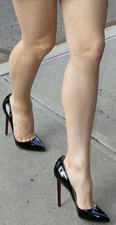Black pumps, called, and toe cleavage. Stockings Heels, Nylons Heels, Stiletto Heels, Beautiful High Heels, Gorgeous Feet, Sexy Legs And Heels, Sexy High Heels, Great Legs, Beautiful Legs