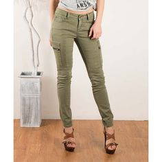 Fashionomics Olive Skinny Cargo Pants ($30) ❤ liked on Polyvore featuring pants, skinny cargo pants, skinny leg pants, olive green pants, army green pants and cotton trousers