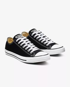 Find the Converse Chuck Taylor All Star Low Top Unisex Shoe at Nike. Free delivery and returns. Galaxy Converse, Converse Noir, Black Converse Low, Converse Classic, Converse Men, Converse Low Tops, Custom Converse, Leather Converse, Platform Converse