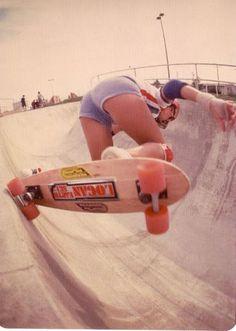 We are absolutely loving these stylish photos of female shredders from the 'Golden Era' of skateboarding. Skaters include Laura Thornhill, Kim Cespedes, Ellen O Neal, Patti Mcgee & Vicky. Old School Skateboards, Vintage Skateboards, Sport Treiben, Pro Skaters, Skate And Destroy, Skate Shop, Skate Girl, Skate Style, Skateboard Girl