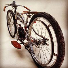 Regardez cette photo Instagram de @latorpillecycles • 11 mentions J'aime