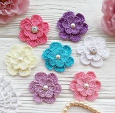 como hacer flores a ganchillo sencillas Whenever we approached the Flores & Prats company, we Crochet Puff Flower, Crochet Headband Pattern, Crochet Collar, Crochet Flower Patterns, Flower Applique, Crochet Motif, Crochet Flowers, Knit Crochet, Crochet Hair Accessories