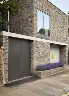 Completed in 2016 in London Borough of Lewisham, United Kingdom. Images by Anna Stathaki. Located on an urban infill site in close proximity to the River Quaggy in Lewisham, No. 49 is a new-build, two-storey single dwelling. Precast Concrete, Timber Staircase, Cladding Panels, New Builds, Architecture Details, My Dream Home, Facade, Beautiful Homes, Arquitetura
