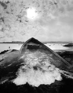 Jerry Uelsmann : Untitled 2004  No Photoshop, the entire process of post production takes place exclusively in the darkroom.