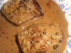 Pavé de cerf sauce poivre vert Venison, Beef, Looks Yummy, French Food, Flan, Cheeseburger Chowder, Entrees, Spicy