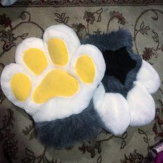 Fursuit Paws, Fursuit Tutorial, Big Bubbles, Head Shapes, Girl Birthday, Cute, Toe Beans, Crafts, Manualidades