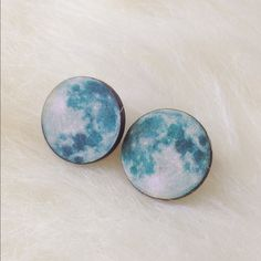 """Full moon wooden stud earrings🌙 🌙These gorgeous moon stud earrings are made from wood. They measure approximately 3/4"""" around, so they are a little larger. Super cute and eye catching! Nickel & lead free. Handmade/brand new. Bundle & save 15% on 3+ items! Tags:moon child,moon jewelry,boho,bohemian,spring/summer jewelry🌙 Abbie's Anchor Jewelry Earrings"""