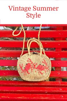 Fashion Hacks Mens Some styles remain a seasonal classic and this circular straw bag will be a summer have-to-have! Fashion Tips For Girls, Petite Fashion Tips, Fashion Now, Indian Fashion, Korean Fashion, Womens Fashion, Fashion Dresses, Modern Vintage Fashion, Vintage Vogue