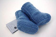 BOTINHAS B.007     WOOLLEN BOTIES B.007   por ponto de malha { bebé e criança } Socks, Stuff To Buy, Fashion, Knit Stitches, Hosiery, Moda, Fasion, Sock, Stockings