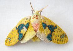 Stoff Skulptur - große gelbe Tiger Moth (Amaxia Pulchramoth) Textilkunst