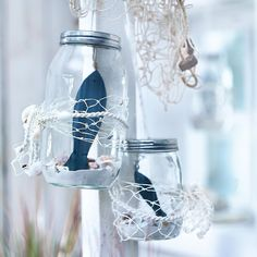 Maritime storage jars – made easy. The complete decoration tip on www.d … - Home Page Navy Living Rooms, Coastal Living, Sea Crafts, Diy And Crafts, Deco Marine, Coast Style, Nautical Party, Beach Gardens, Jar Storage