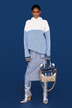 Fendi Resort 2019 Fashion Show Collection: See the complete Fendi Resort 2019 collection. Look 9 Fendi Resort 2019 Fashion Show Collection: See the complete Fendi Resort 2019 collection. Look 9 Knitwear Fashion, Knit Fashion, Look Fashion, Winter Fashion, Fashion Design, Fashion Tips, Fashion Trends, Fashion Websites, Fashion Styles