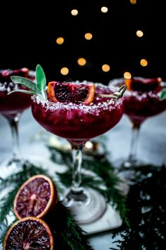 Christmas Cocktails, Holiday Cocktails, Cocktail Drinks, Fun Drinks, Yummy Drinks, Alcoholic Drinks, Beverages, Summer Cocktails, Paloma Cocktail