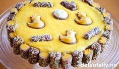 Bager du Kristines kage til påske, så er der garanti for succes Baking Recipes, Cake Recipes, Dessert Recipes, Desserts, Norwegian Food, Recipes From Heaven, Easter Treats, Food Cakes, Easter Recipes