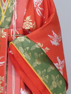 Gosechi dancer's sleeves. A closeup of the layers of junihitoe