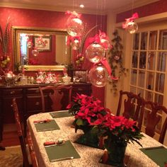 gorgeous Christmas table decorations