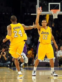 LAKERS! Kobe Bryant and Shannon brown ⭐