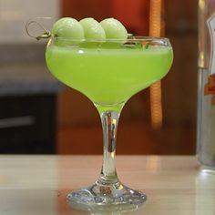 HONEYDEW MARTINI 1 1/2 oz. (45ml) Vodka 1/2 oz. (15ml) Melon Liqueur 1/2 oz. (15ml) Triple Sec Splash Champagne 3/4 oz. (22ml) Fresh Lime Juice 3 oz. Honeydew Melon Puree Garnish: Melon Ball/Mint Leaf PREPARATION 1. Blend honeydew melon in a blender then pass through a strainer to catch juice. 2. To an ice filled …