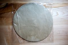 I recently discovered these parchment paper rounds. Love them for pizza making. Freeze Pizza Dough, Best Pizza Dough, Good Pizza, Jamie Oliver Pizza, Pizza Recipes Homemade Dough, Pizza Games, Bread Toast, Frozen Pizza, Thing 1