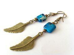 Boucles d'oreilles jaspe bleu et plume.