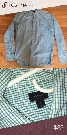 6058429bd7f J Crew men s small button down Size small J Crew shirt with blue and green  pattern