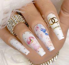White Acrylic Nails, Summer Acrylic Nails, Best Acrylic Nails, Chanel Nails Design, Chanel Nail Art, Pretty Nails, Gorgeous Nails, Cute Acrylic Nail Designs, Sugar Nails