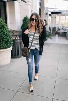 Jeanshosen 49 The Greatest Spring Outfit Concepts With Flats Article Physique: Right this moment tre Tory Burch, Chanel Espadrilles Outfit, Flats Outfit, Casual Outfits, Fashion Outfits, Womens Fashion, Fashion Models, Mein Style, Fashion Looks