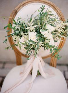 Al fresco olive branch bouquet: http://www.stylemepretty.com/2016/07/25/white-on-white-greek-wedding-inspiration/ | Photography: Vasia Photography - http://www.vasia-weddings.com/