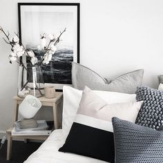 Find your serenity with these 50 White Bedroom Ideas - The Trending House Scandi Bedroom, Monochrome Bedroom, All White Bedroom, White Bedroom Furniture, Modern Bedroom Design, Home Bedroom, Bedroom Decor, Grey Furniture, Bedroom Ideas