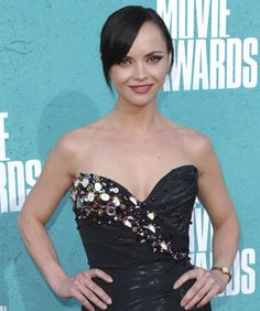 Time Out! Christina Ricci Wore A Dress Made Of Watches #MTVMovieAwards