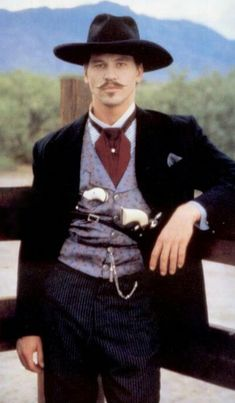 Val Kilmer aka Doc Holliday in Tombstone I true believe that he should have Won The Oscar Award for his performance of Doc Holiday . Bufalo Bill, Tombstone Movie, Tombstone 1993, Tombstone Quotes, Tombstone Arizona, Doc Holliday Tombstone, O Cowboy, Cowboy Pictures, Val Kilmer
