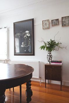Name: Irene Grishin Selzer and Peter Selzer Location: Victoria, Australia Size: 1200 square feet Years lived in: 8 years; Owned Irene, Peter and their two young children live in a bay-side suburb near Melbourne in an amazing Art Deco house, which they have restored and renovated into a spacious family home. Irene and Peter are the duo behind Iggy and Lou Lou—creating beautiful ceramic jewelry and homewares from their home studio.