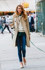 How To Dress At 30 Years Old Woman 10 Ideas On Pinterest Dresses Fashion Old Women