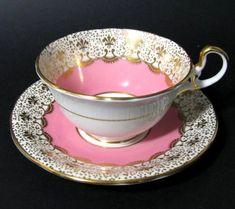 Aynsley Gilt Fleur-de-lis Pink Tea Cup at Classy Option - Vintage Aynsley China Teacup and Saucer Pink Tea Cups, Bone China Tea Cups, Fun Cup, My Cup Of Tea, Tea Cup Saucer, High Tea, Drinking Tea, Afternoon Tea, Tea Time