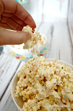 Time to host a viewing party playdate. This White Chocolate Cheesecake Popcorn recipe is the perfect kid-friendly treat for the event! Also a great after-school snack or dessert for a crowd!