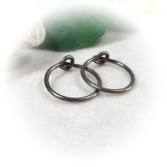 Our standard plain hoops look amazing! Just a simple hoop for men and women. Niobium bronze plain hoop for piercings! Little Hoop Earrings, Heart Ring, Piercings, Bronze, Trending Outfits, Unique Jewelry, Bracelets, Handmade Gifts, Etsy