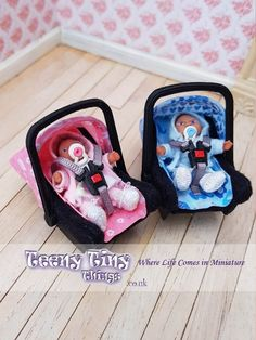 scale, miniature 2 in 1 travel system - stroller and car seat. Stroller has multi-positional seat - faces forward or rear and car seat attaches to stroller frame. Barbie Dolls Diy, Barbie Sets, Baby Barbie, Baby Doll Car Seat, Baby Car Seats, Toddler Toys, Baby Toys, Car Seat Pad, Small Baby Dolls