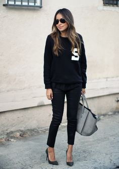 5⃣6⃣#SincerelyJules perfects her #LittleBlackJean look in our Maria High-Rise in Lacquered Black Quartz.