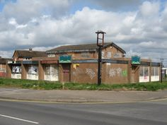 Eyres Monsell The Invincible Pub