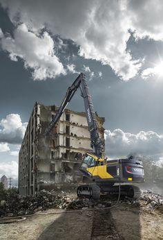#Volvo EC380EHR and EC480EHR Reach New Heights of Productivity | Rock & Dirt Blog Construction Equipment News & Information #Excavators #RockandDirt