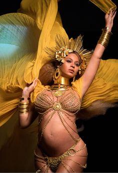 Beyoncé   59th Annual Grammy Awards