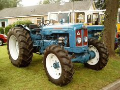 Vintage Tractors, Old Tractors, Heavy Machinery, Rubber Tires, Transportation Design, Old And New, Farming, Vehicles, Action