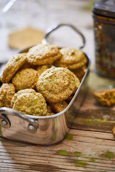 Pisztáciás keksz recept | Street Kitchen Food To Make, Almond, Food And Drink, Recipes, Street, Kitchen, Baking Center, Cooking, Kitchens
