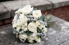 white & silver bouquet - could be nice with some soft colours in it