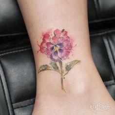 팬지 :-) - #타투 #그라피투 #타투이스트리버 #디자인 #그림 #디자인 #아트 #일러스트 #tattoo #graffittoo #tattooistRiver #design #painting #drawing #art #Korea #KoreaTattoo #팬지 #꽃타투 #pansytattoo #flowertattoo #watercolor #watercolortattoo #수채화 #수채화타투